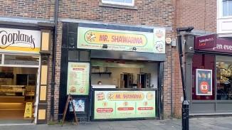Mr. Shawarna dengan daging halal yg lezat